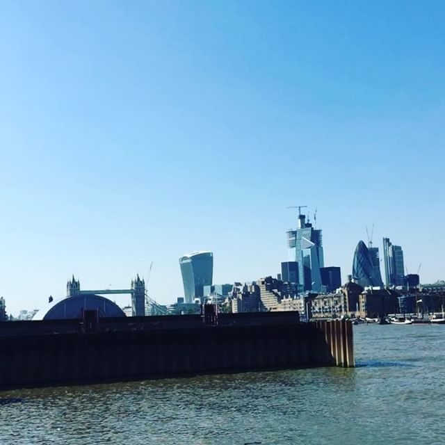 Time-lapse of the river Thames.